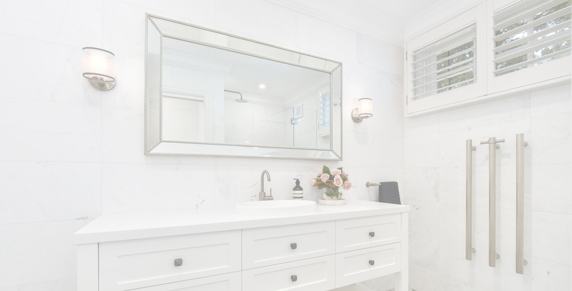 White bathrooms to remain a colour trend for 2022